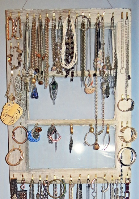 Cheap-And-Practical-Jewellery-Organizer.jpg