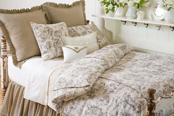 french-country-bedding-toile.jpg