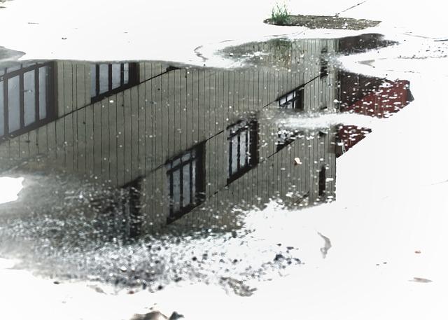 puddle-970815_640.jpg