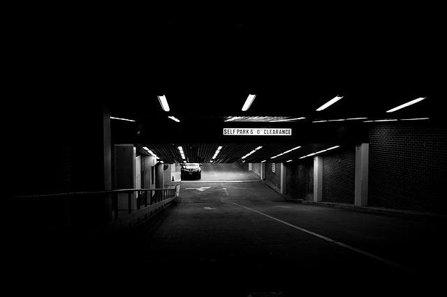 parking-deck-238450_640.jpg