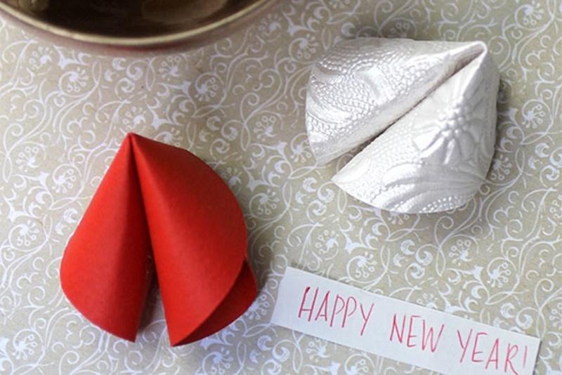 DIY-Paper-Fortune-cookies.jpg
