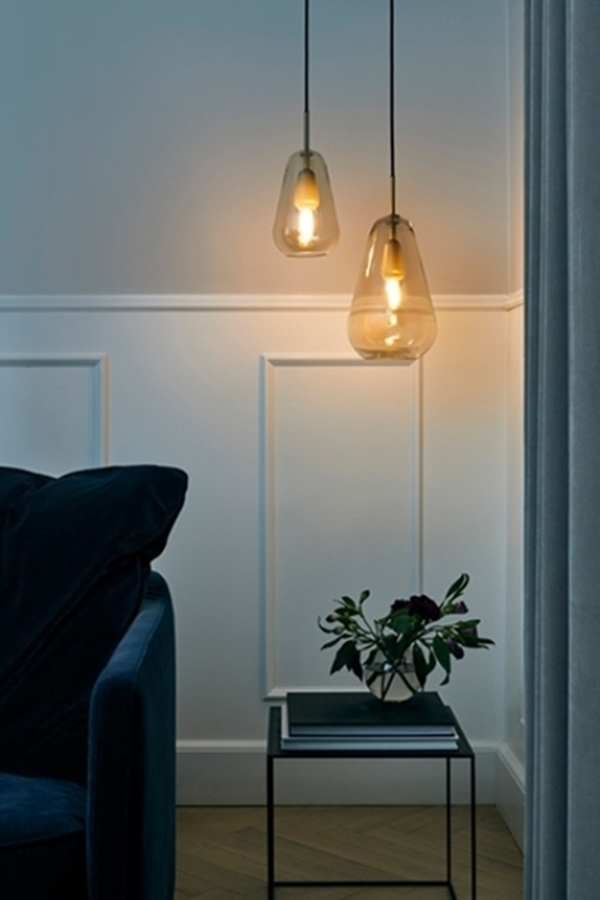 01-Anoli-pendant-lamps-are-inspired-by-the-raindrops-and-harsh-Scandinavian-winters-with-just-some-sunlight.jpg