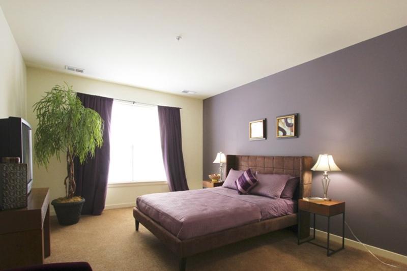 NJ-Carteret-Bristol-Station-bedroom.jpg