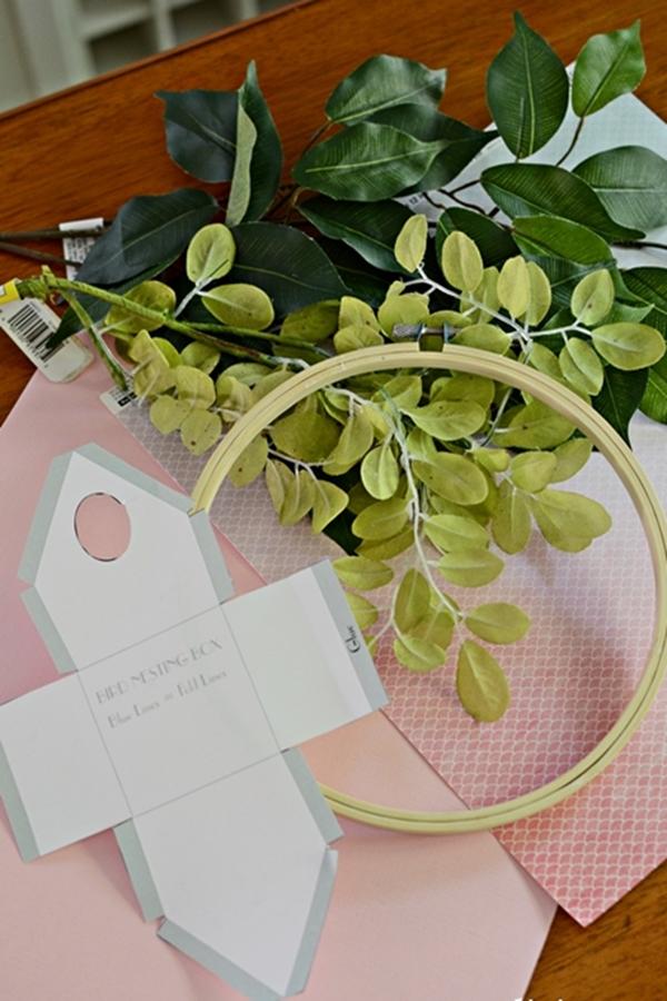 Birdhouse-Wreath-Supplies.jpg