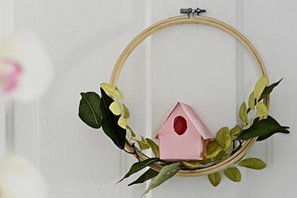 DIY-Paper-Birdhouse-Wreath-2.jpg