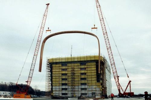 the-longaberger-company-in-newark-ohio-united-states-the-basket-building-7.jpg