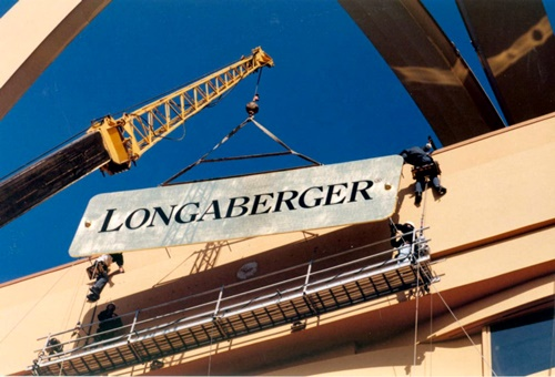 the-longaberger-company-in-newark-ohio-united-states-the-basket-building-5.jpg