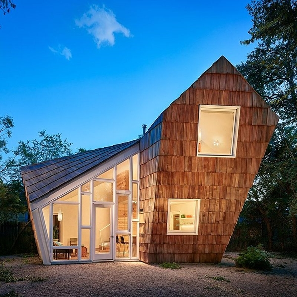 Recliamed-cedar-shingles-cover-this-lovely-home-in-Austin.jpg