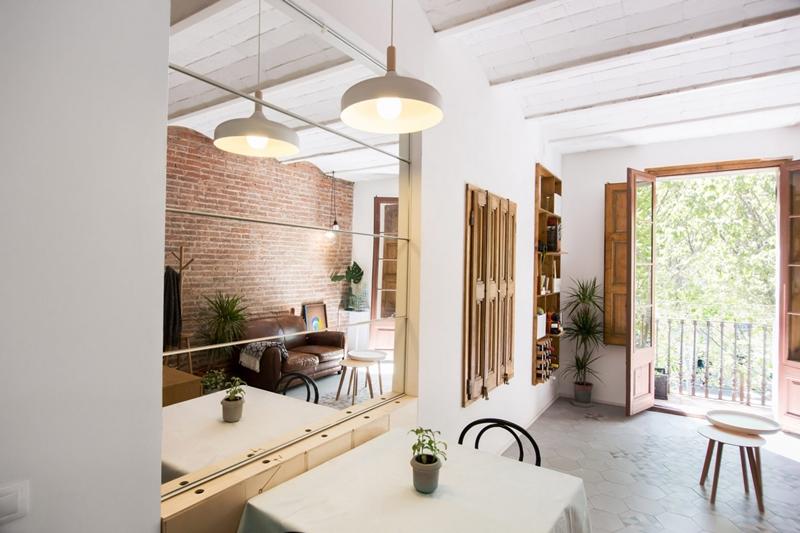 25m2-loft-barcelona-naimi-architecture-interiors-residential_dezeen_2364_col_0-1704x1136.jpg