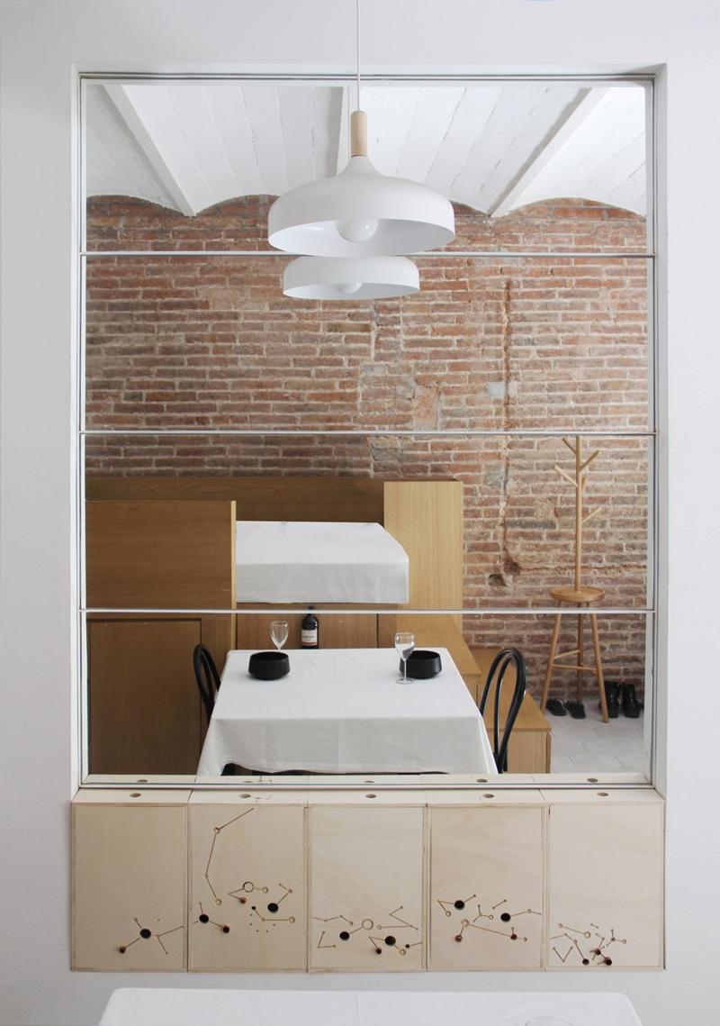 25m2-loft-barcelona-naimi-architecture-interiors-residential_dezeen_2364_col_4-1704x2426.jpg