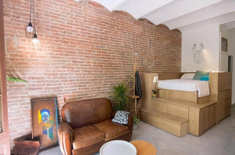 25m2-loft-barcelona-naimi-architecture-interiors-residential_dezeen_2364_col_2-1704x1126.jpg