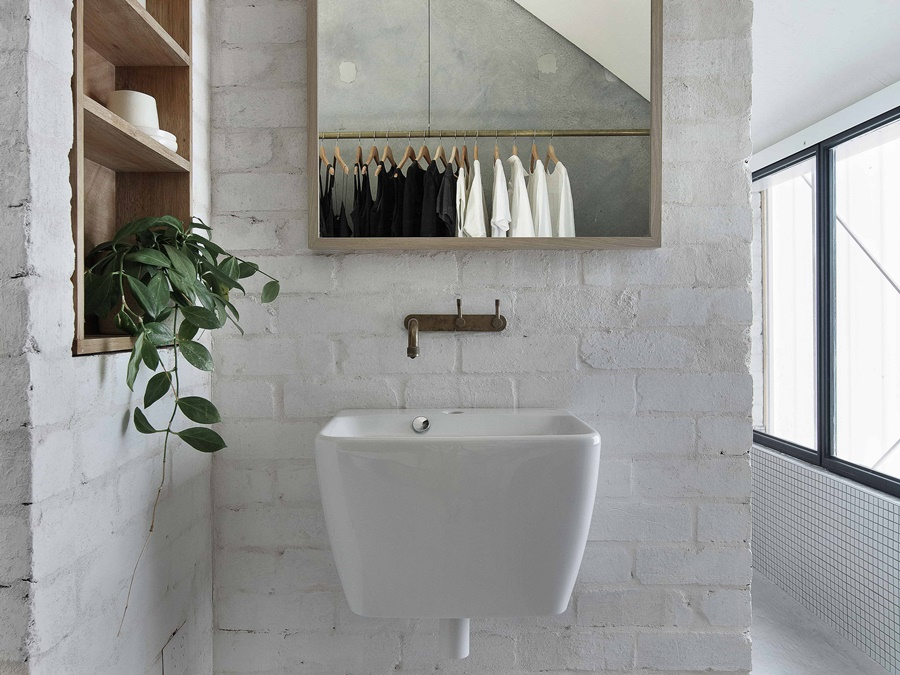 House-A-by-Whispering-Smith-Local-Australian-Architecture-Interiors-Scarborough-Perth-Image-5.jpg